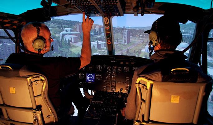 Hubschrauber fliegen mit Einweisung