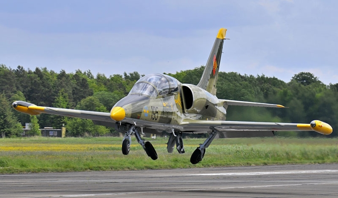 Startender L-39 Albatros Jet