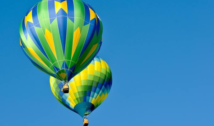 Start eines Heißluftballon in Steinreich