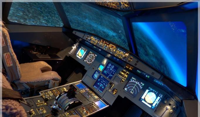 Fliegen lernen in Hamburg im Simulator für Mann und Frau
