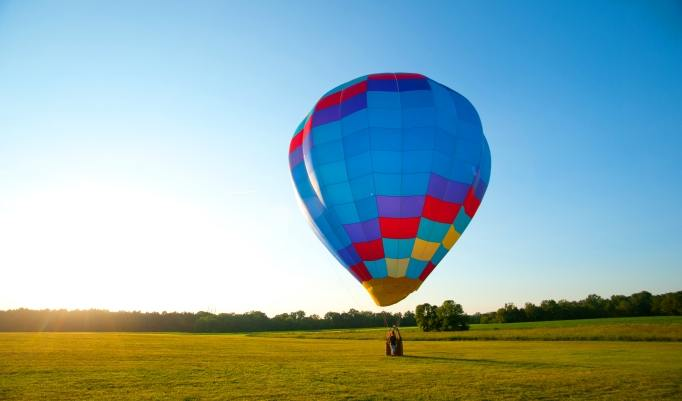Abendfahrt mit dem Heißluftballon in Roermond