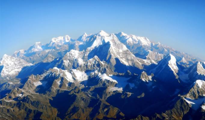 Schneebedeckte Alpen