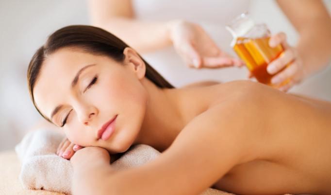Aroma Öl Massage zum Muttertag