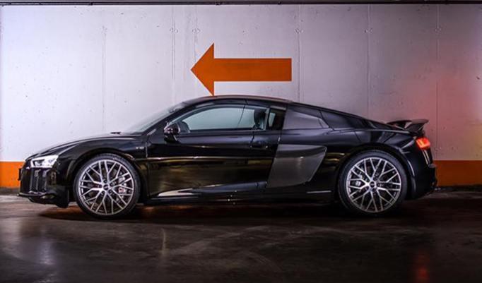 Audi R8 V10 Plus fahren