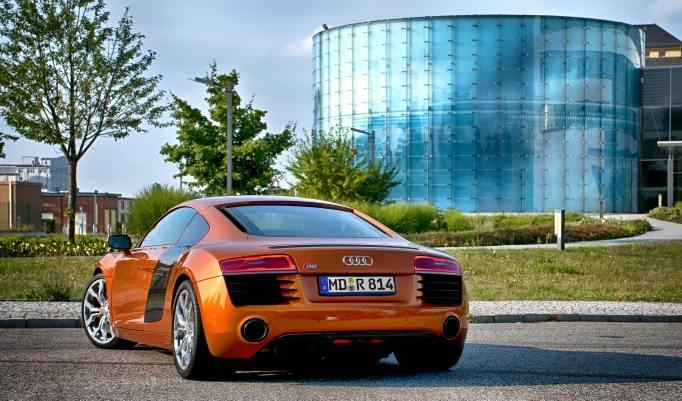 Audi R8 mieten in Düsseldorf