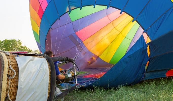 Ballonfahrt mit blauem Himmel in Anklam