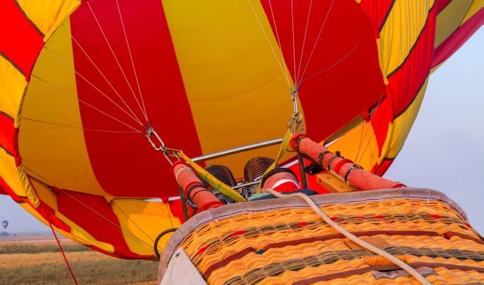 Ballonfahrt mit blauem Himmel in Ehingen