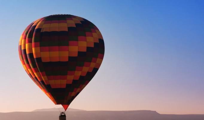 Ballonfahrt über Winschoten in den Abendstunden