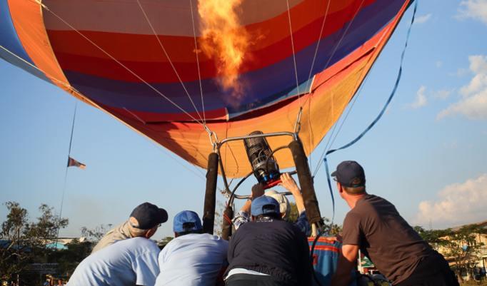 Ballon Aufbau vom Ballonteam