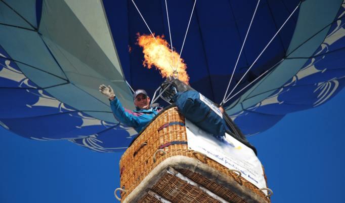 Gutschein für Winterballonfahrt in den Alpen in Österreich