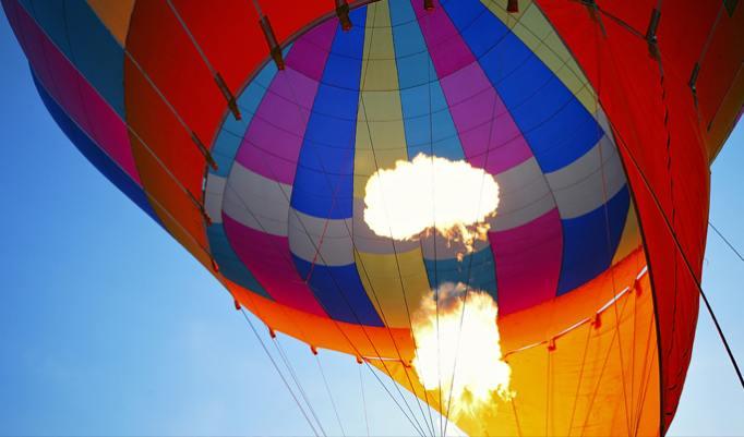 Romantische Momente während einer Exklusiven Ballonfahrt erleben