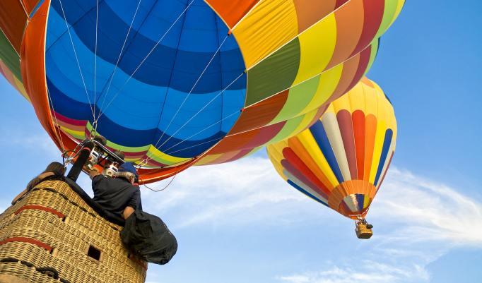 Aufsteigender Heißluftballon