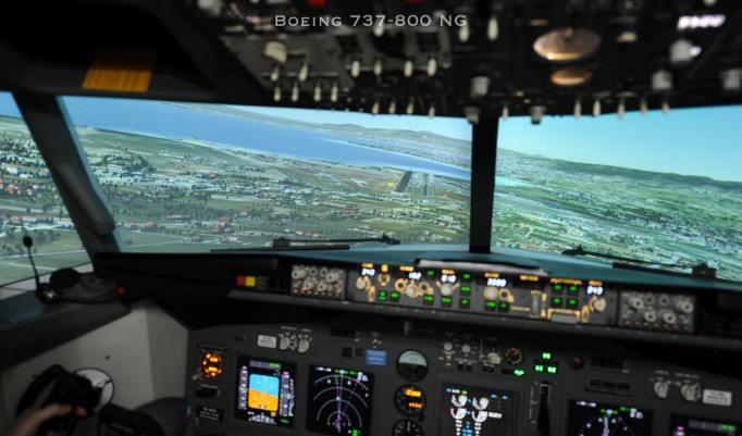 Realistisches Pilotentraining im Flugsimulator einer Boeing 737 in Mannheim
