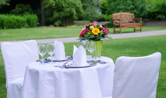 Gutschein für romantischen Kurzurlaub mit Dinner in Hannover