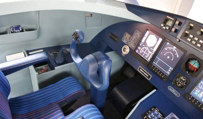 Flugsimulator Dornier 328 JET