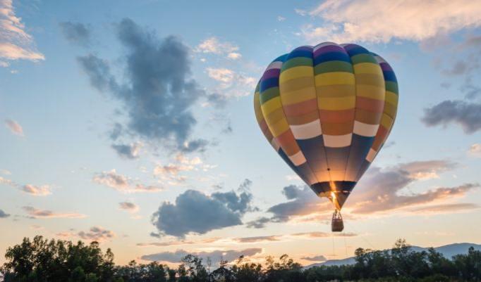 Romantische Ballonfahrt für zwei Personen in Witten verschenken