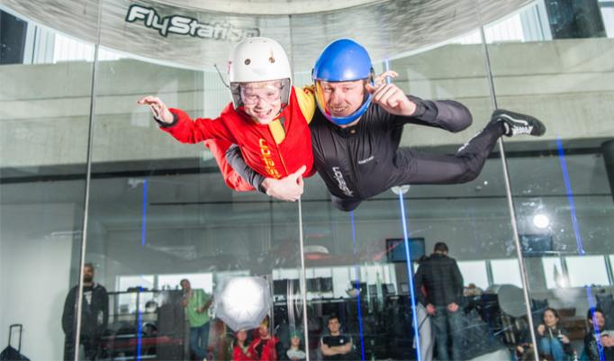 Familien Indoor Skydiving