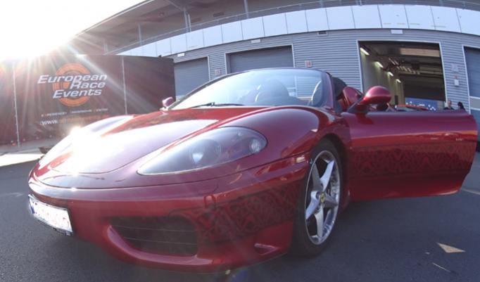 Ferrari fahren durch Leipzig