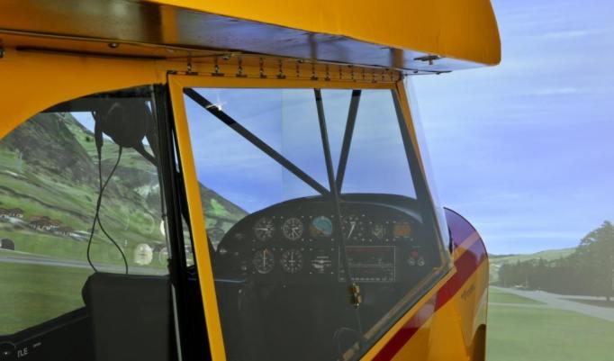 Flugsimulator Spornrad Piper PA 18 in der Schweiz