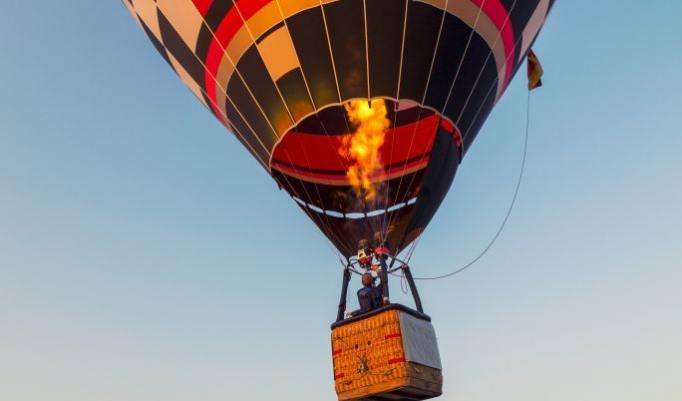 Heißluftballonfahrt in Duisburg Geschenkidee für Paare