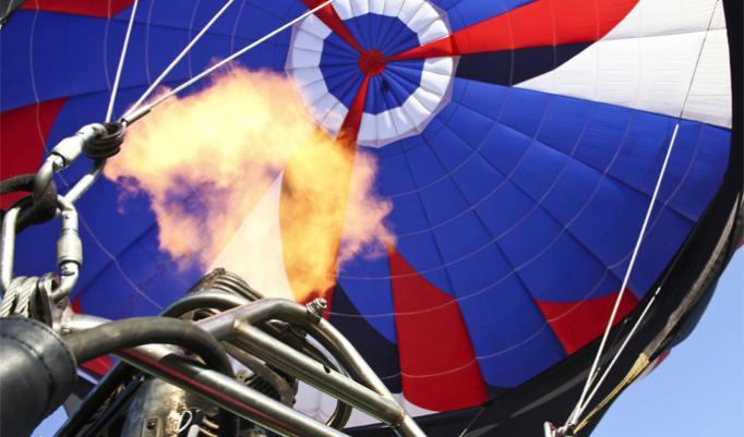 Start eines Heißluftballon in Aachen
