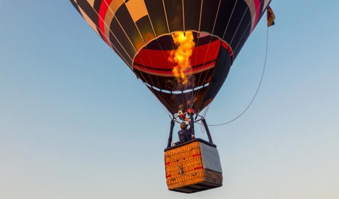 Zweisamkeit bei einer Ballonfahrt