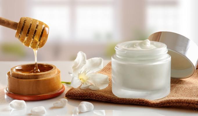 Massage mit pflegendem Honigöl