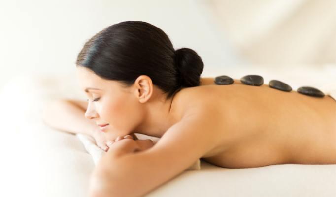 Hot-Stone Massage für Männer