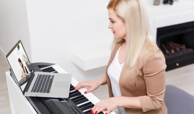 Klavier spielen Onlinekurs