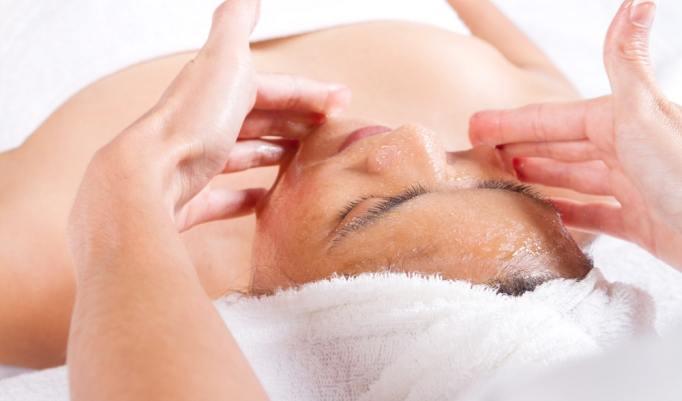 pflegende Gesichtsmaske