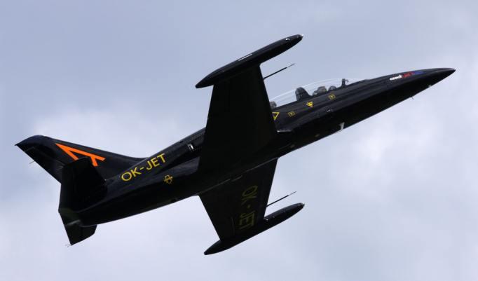 Kampfjet fliegen in Moskau