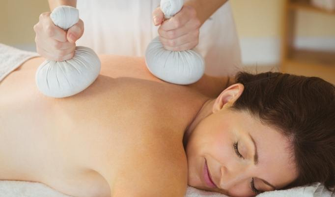 Kräuterstempel Massage in Leverkusen