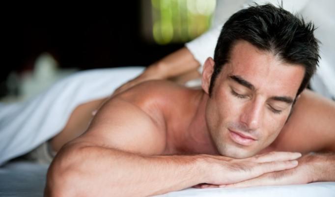 Massage auf der Massagebank