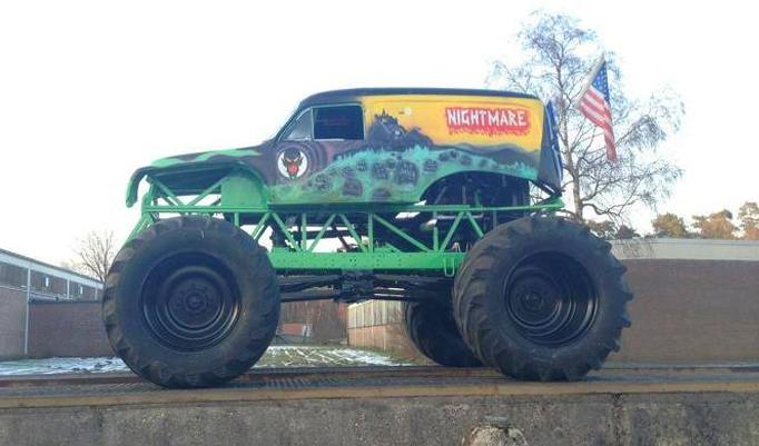 Grüner Monstertruck