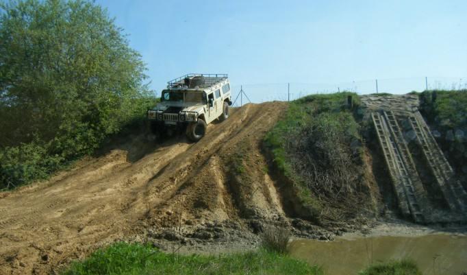 Landrover bergab fahren