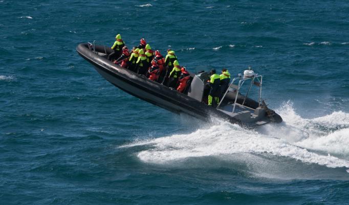 Speedboot Sprung