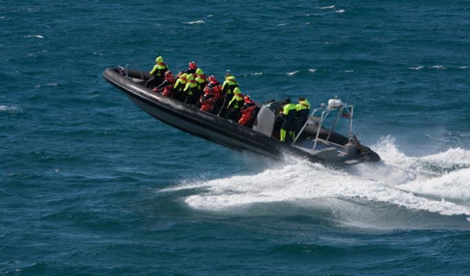 Speed-Schlauchbootfahrt mit 700 PS in Grömitz