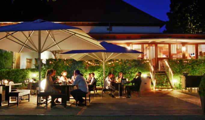 Gutschein für romantischen Kurzurlaub mit Dinner im Raum Kaiserslautern