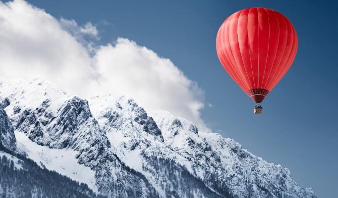 Ballonfahrt mit blauem Himmel in Jamlitz