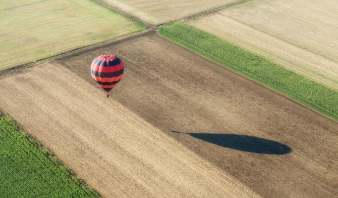 Ballonfahrt mit blauem Himmel in Rotenburg