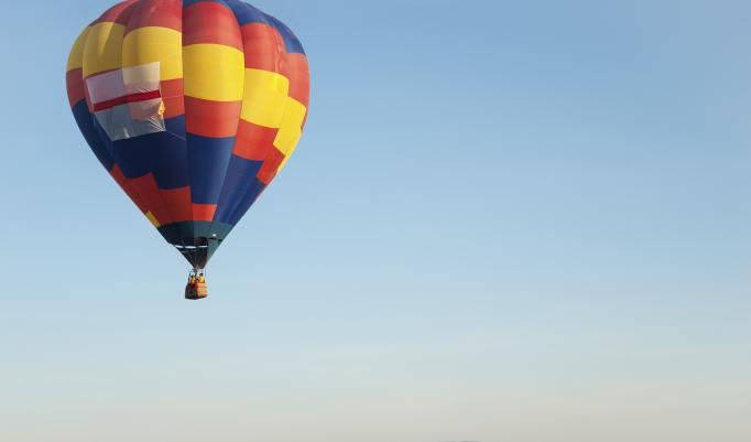 Aufsteigende Heißluftballons in Oerlinghausen