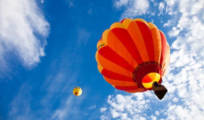 Aufsteigende Heißluftballons in Barßel