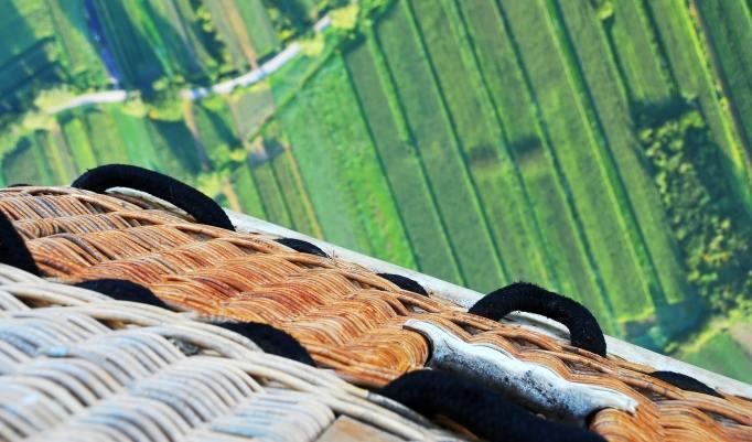 Ballonfahrt mit blauem Himmel in Eisenhüttenstadt