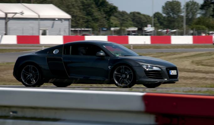 Audi R8 V10 Plus selber fahren in Magdeburg