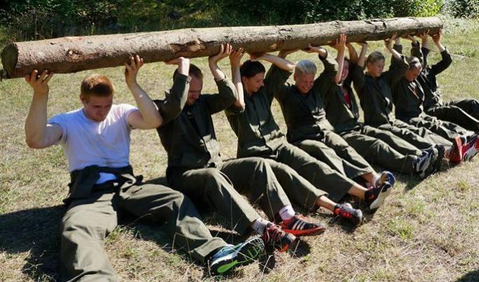 Gruppe Stammheben