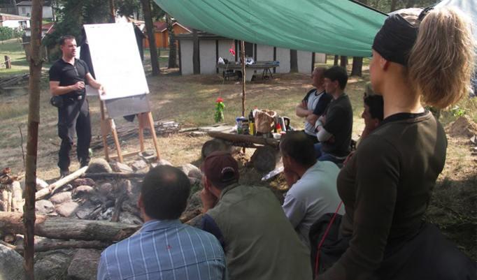 Survival-Ausbildung im Helden Camp