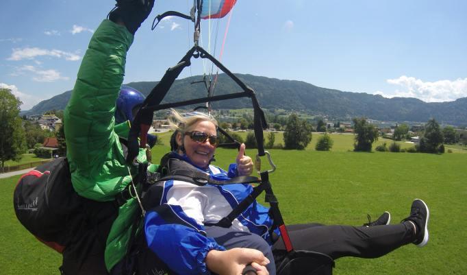Wandern und Tandemgleitschirmfliegen in Österreich