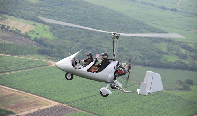 Bei diesem Erlebnisgeschenk starten Sie in einem zweisitzigen Tragschrauber an über 50 Startorten in ganz Deutschland. Erleben Sie doch einmal einen Tragschrauber Rundflug in Berlin. Gutscheine sind noch heute verfügbar.