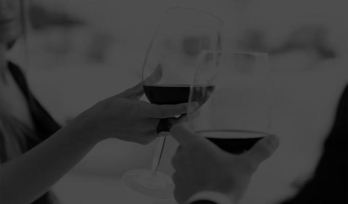 Wein probieren im Dunkeln