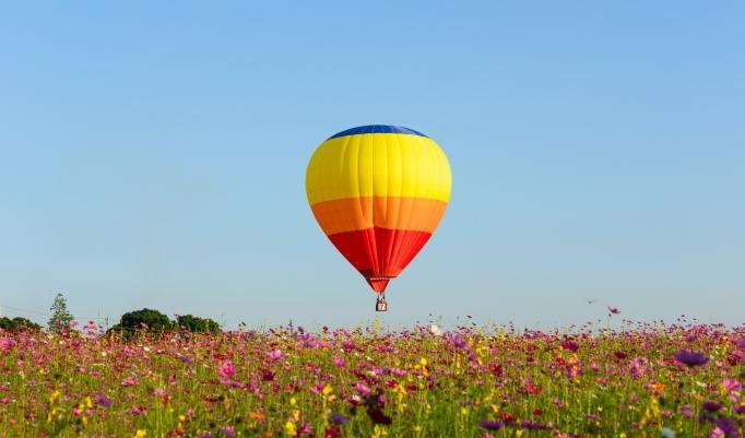 Ballonfahrt mit blauem Himmel Weilheim